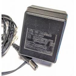 AC 240V DC 12V 500mA Adaptor USED